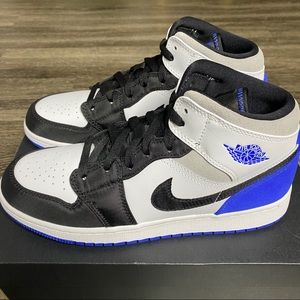 Air Jordan 1 Mid SE Royal/Black GS Size 7Y